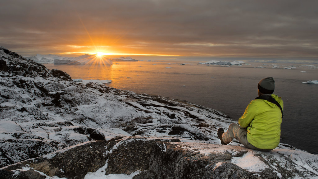 Sunset over Icebergs